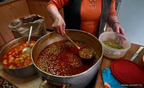 Felsővárosi ingyenkonyha a nélkülözők étkeztetéséért